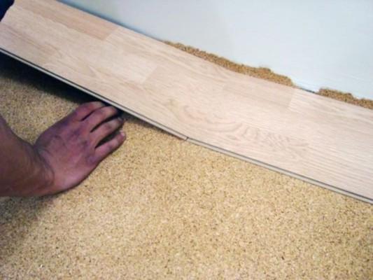 пробковая подложка под ламинат плюсы и минусы